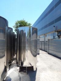 Неръждаем съд за вино с конично дъно (отворен тип) с обем 5000 литра.
